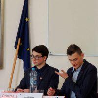 Jugend debattiert (18/90)