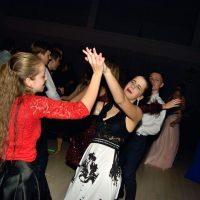 Maškarný ples (99/130)