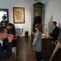 2.B na literárno-historickej exkurzii (8/23)