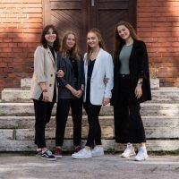 Začiatok školského roka 2021/2022 — skupinové fotografie (9/11)